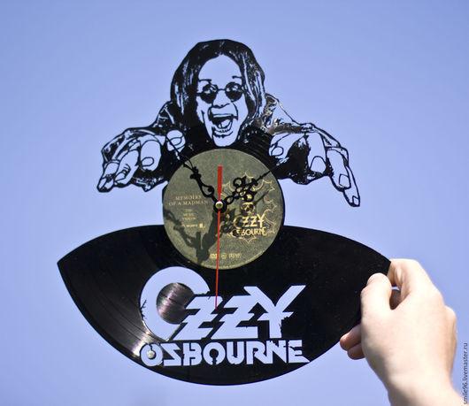 """Часы для дома ручной работы. Ярмарка Мастеров - ручная работа. Купить Часы из пластинки """"Ozzy Ozbourne"""". Handmade. Ozzy ozbourne"""