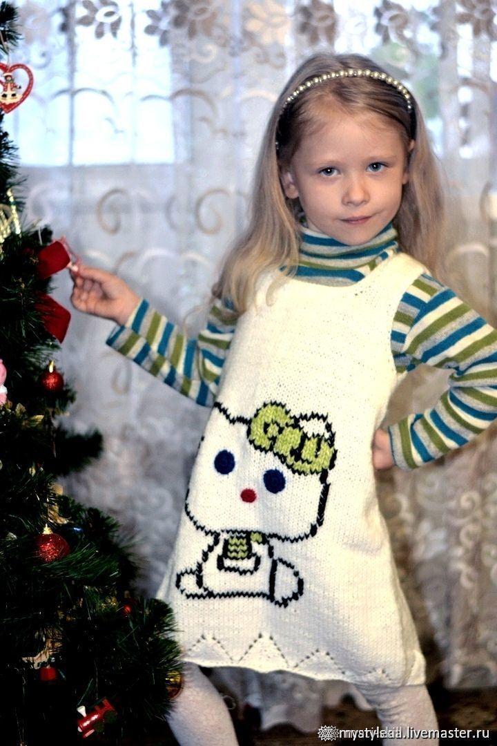 """Белое вязаное платье-сарафан на девочку """"Котёнок Пегги"""", Платья, Богородск,  Фото №1"""