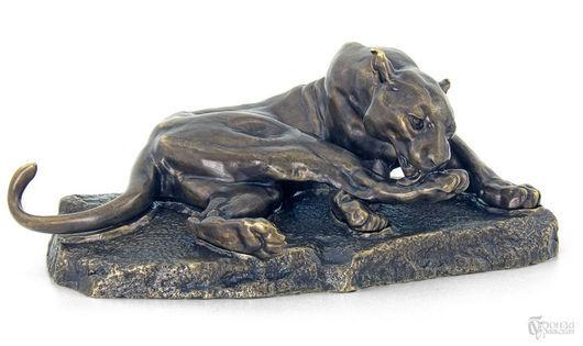 Статуэтки ручной работы. Ярмарка Мастеров - ручная работа. Купить Скульптура «Львица». Handmade. Бронза, статуэтки из металла, Львица, скульптура