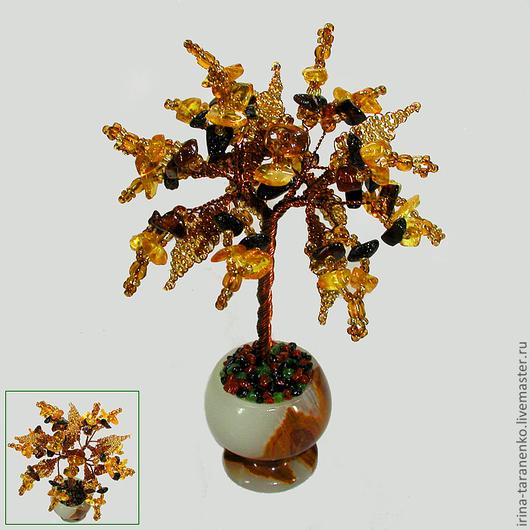 Миниатюрное дерево любви из янтаря в вазочке из оникса