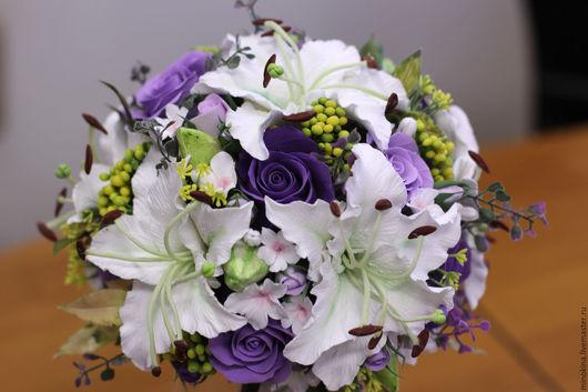Свадебные цветы ручной работы. Ярмарка Мастеров - ручная работа. Купить Свадебный букет с лилиями. Handmade. Фиолетовый, букет невесты