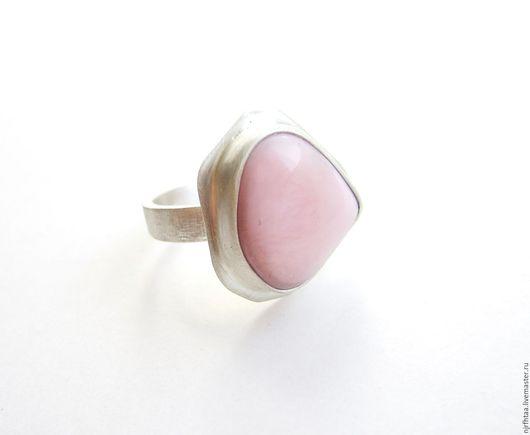 Кольца ручной работы. Ярмарка Мастеров - ручная работа. Купить ПЕРУАНСКИЙ РОЗОВЫЙ опал кольцо. Handmade. Бледно-розовый