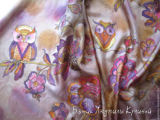 """Шарфы и шарфики ручной работы. Ярмарка Мастеров - ручная работа. Купить батик шарф """"Совы на цветах"""" с кистями, шелковый. Handmade."""