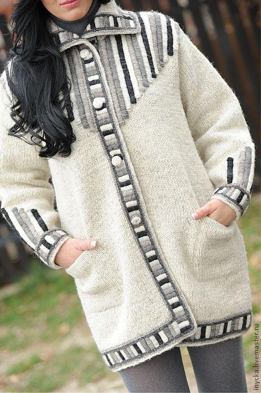 Верхняя одежда ручной работы. Ярмарка Мастеров - ручная работа. Купить Вязаное пальто W10. Handmade. Белый, вязаное пальто