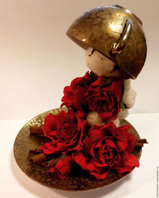 Интерьерные композиции ручной работы. Ярмарка Мастеров - ручная работа. Купить Чашка с красными розами. Handmade. Ярко-красный, для интерьера