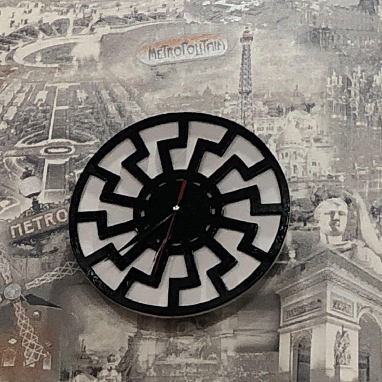 Настенные часы «чёрное солнце», Часы классические, Жлобин,  Фото №1