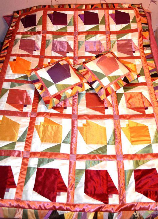 """Текстиль, ковры ручной работы. Ярмарка Мастеров - ручная работа. Купить Лоскутное покрывало и 2 наволочки """"Солнечный тюльпан"""" (пэчворк). Handmade."""