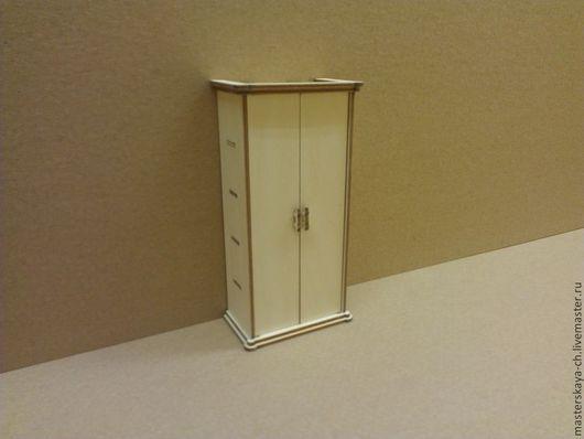Платяной шкаф для кукол в масштабе 1:12