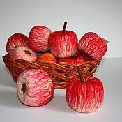 Куклы и игрушки ручной работы. Ярмарка Мастеров - ручная работа яблоко - валяное. Handmade.