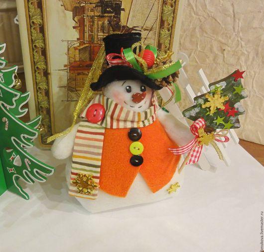 Куклы Тильды ручной работы. Ярмарка Мастеров - ручная работа. Купить Помощник Деда Мороза - Снеговик. Handmade. Комбинированный