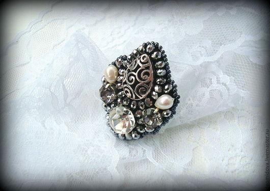"""Кольца ручной работы. Ярмарка Мастеров - ручная работа. Купить """"Герцогиня"""" кольцо. Handmade. Серебряный, герцогиня, кольцо с кристаллом"""