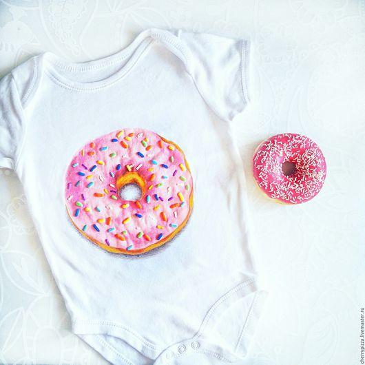 """Футболки, майки ручной работы. Ярмарка Мастеров - ручная работа. Купить ручная роспись """"Мой сладкий пончик"""". Handmade. Розовый"""