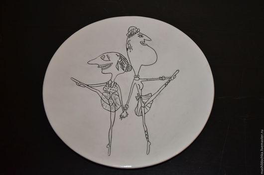"""Тарелки ручной работы. Ярмарка Мастеров - ручная работа. Купить Тарелка """"Не предавай мечту"""". керамика. Handmade. Чёрно-белый"""