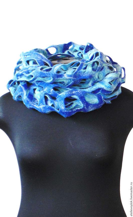 """Шали, палантины ручной работы. Ярмарка Мастеров - ручная работа. Купить Снуд """"Бриз"""". Handmade. Снуд, шарф на шею, синий"""