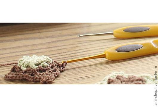 Clover Стальной крючок для вязания с мягкой ручкой и защитным колпачком