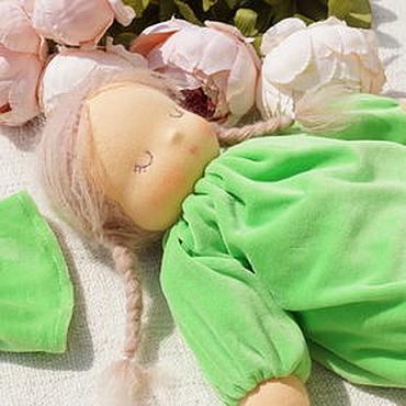 """Куклы и игрушки ручной работы. Ярмарка Мастеров - ручная работа Сплюшка """"Травинка"""" - вальдорфская куколка. Handmade."""