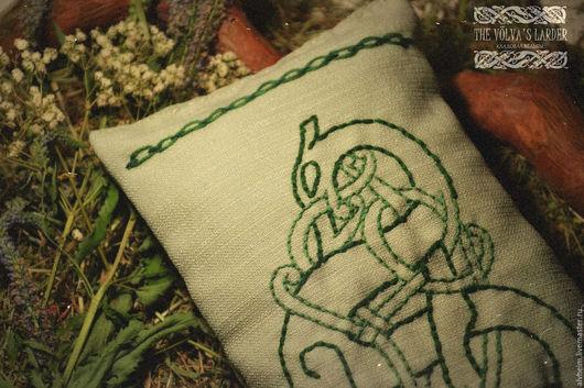 """Текстиль, ковры ручной работы. Ярмарка Мастеров - ручная работа. Купить Травяная подушка """"Йормунганд"""". Handmade. Белый, подушка с травами"""