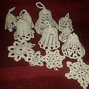 Подарки к праздникам ручной работы. Ярмарка Мастеров - ручная работа Снежинки и колокольчики. Handmade.