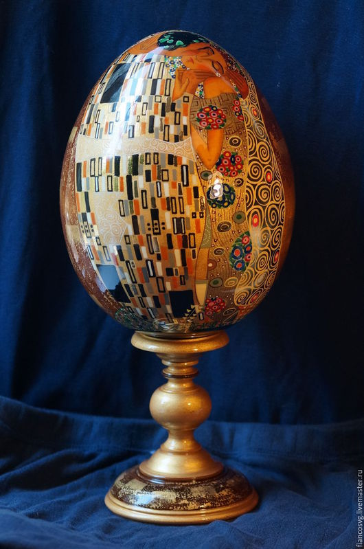 `The kiss` Klimt styled egg. Вручную расписанное яйцо в стиле Г.Климт `Поцелуй`.