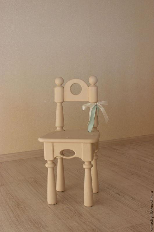 Детская ручной работы. Ярмарка Мастеров - ручная работа. Купить Стул детский для фотосессий из кедра Алиса. Handmade. Бежевый, стульчик