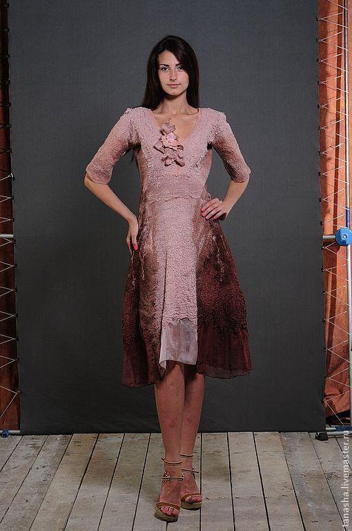Валяное платье из шерсти и шелка.Нарядное и нежное.На все времена года