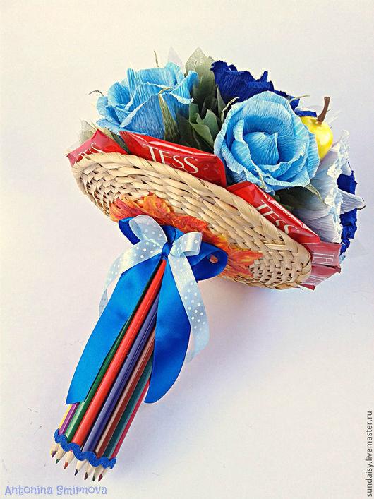 Букеты ручной работы. Ярмарка Мастеров - ручная работа. Купить Ручной букет из конфет в голубых тонах. Handmade. Голубой, конфеты