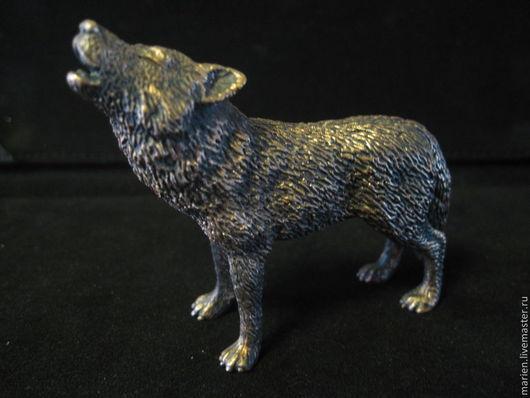 """Статуэтки ручной работы. Ярмарка Мастеров - ручная работа. Купить Фигурка """"Воющий волк"""". Handmade. Волк, латунь, статуэтка, бронза"""
