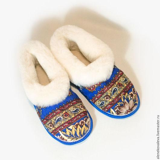 Обувь ручной работы. Ярмарка Мастеров - ручная работа. Купить Тапочки чуни из овчины и павлопосадского платка. Handmade. Комбинированный