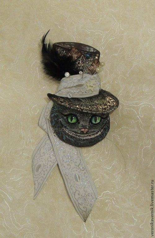 """Броши ручной работы. Ярмарка Мастеров - ручная работа. Купить """"Чеширчик"""". Handmade. Полимерная глина, чеширский кот, кот, подарки"""