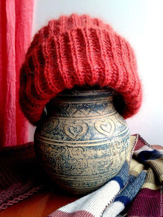"""Шапки ручной работы. Ярмарка Мастеров - ручная работа. Купить Женская вязаная шапка """"Коралловый пушистик"""" зимняя. Handmade. Коралловый"""