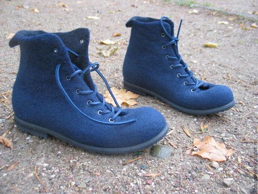 Обувь ручной работы. Ярмарка Мастеров - ручная работа. Купить Валяные мужские ботинки У2. Handmade. Тёмно-синий