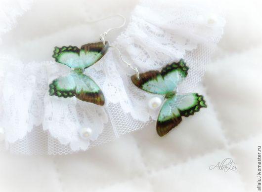 """Серьги ручной работы. Ярмарка Мастеров - ручная работа. Купить Совершенно прозрачные серьги """"Порхающие бабочки"""" Ювелирная смола. Handmade."""
