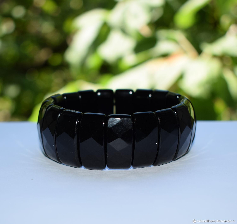 Крупный браслет натуральный черный оникс с огранкой – купить на Ярмарке Мастеров – LV796RU | Браслет из бусин, Москва