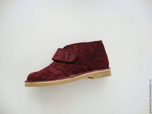 Обувь ручной работы. Ярмарка Мастеров - ручная работа. Купить Детские замшевые ботинки. Handmade. Бордовый, бордовая замша