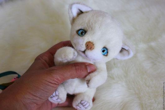 Мишки Тедди ручной работы. Ярмарка Мастеров - ручная работа. Купить Белый котенок тедди. Handmade. Белый, нежность