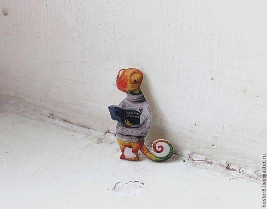 """Броши ручной работы. Ярмарка Мастеров - ручная работа. Купить Брошь """"Хамелеон с книгой"""" (0089). Handmade. Оранжевый, хамелеоны, брошь"""