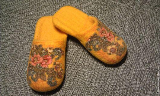"""Обувь ручной работы. Ярмарка Мастеров - ручная работа. Купить Тапочки женские домашние """" Медовое настроение"""". Handmade. Желтый"""