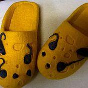 """Обувь ручной работы. Ярмарка Мастеров - ручная работа Тапки-щлёпанцы """"Сыр с мышами"""". Handmade."""