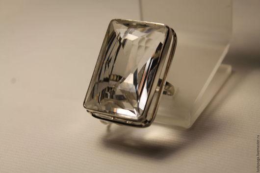 """Кольца ручной работы. Ярмарка Мастеров - ручная работа. Купить кольцо  с хрусталем """"Эверест"""". Handmade. Белый, кольцо, кольцо с хрусталем"""