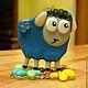 Статуэтки ручной работы. Ярмарка Мастеров - ручная работа. Купить Синяя овечка на подставочке, фьюзинг, стекло. Handmade. Тёмно-синий