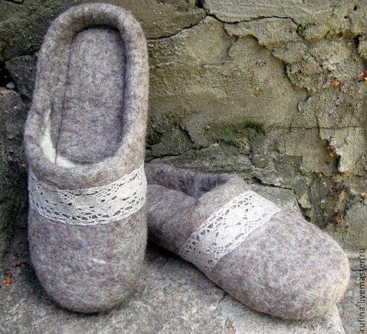 Обувь ручной работы. Ярмарка Мастеров - ручная работа. Купить Валяные тапочки 39 р. Handmade. Серый, тапочки из войлока
