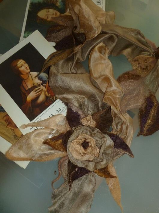 Шарфы и шарфики ручной работы. Ярмарка Мастеров - ручная работа. Купить Шарф-цветок  Бежево-перламутровый. Handmade. Бежевый