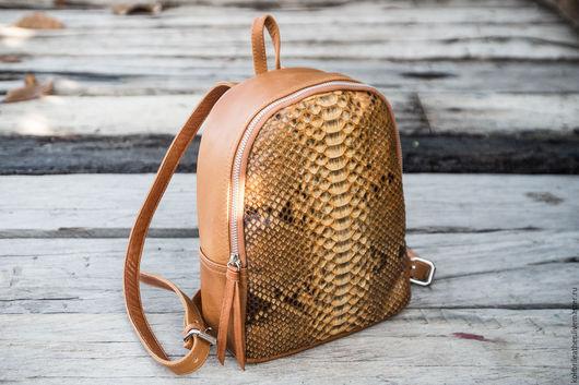 Рюкзаки ручной работы. Ярмарка Мастеров - ручная работа. Купить Рюкзак из натуральной кожи питона и овечьей кожи. Кожаный рюкзак. Handmade.