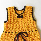 Работы для детей, ручной работы. Ярмарка Мастеров - ручная работа Вязаный детский желтый сарафан для девочки с черной отделкой. На 5 лет. Handmade.