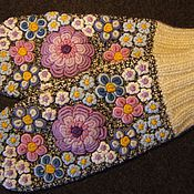 Аксессуары ручной работы. Ярмарка Мастеров - ручная работа Варежки с вышивкой из старой коллекции. Handmade.