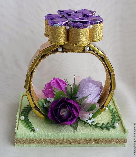 Кольцо.Букеты из конфет ручной работы. Ярмарка Мастеров - ручная работа. Купить кольцо из конфет . Handmade.Сиреневый. Сладкий букет.