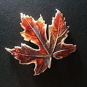 Украшения ручной работы. Ярмарка Мастеров - ручная работа Кленовый лист брошь медь посеребрённая, патина,  эмаль. Handmade.