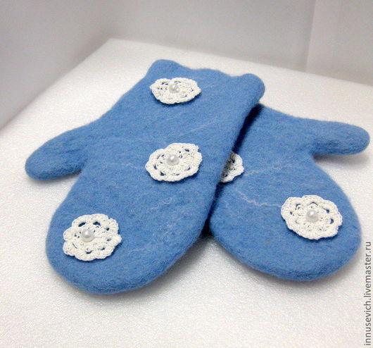 """Варежки, митенки, перчатки ручной работы. Ярмарка Мастеров - ручная работа. Купить Валяные варежки """"Морозные узоры"""". Handmade. Голубой"""