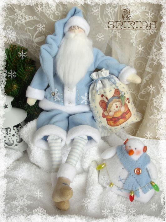 Куклы Тильды ручной работы. Ярмарка Мастеров - ручная работа. Купить Санта с мешком и снеговиком. Handmade. Ярко-красный
