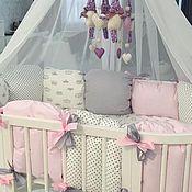 Подарок новорожденному ручной работы. Ярмарка Мастеров - ручная работа Бортики в кроватку для девочки. Handmade.